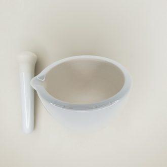 Mortier avec pilon en porcelaine